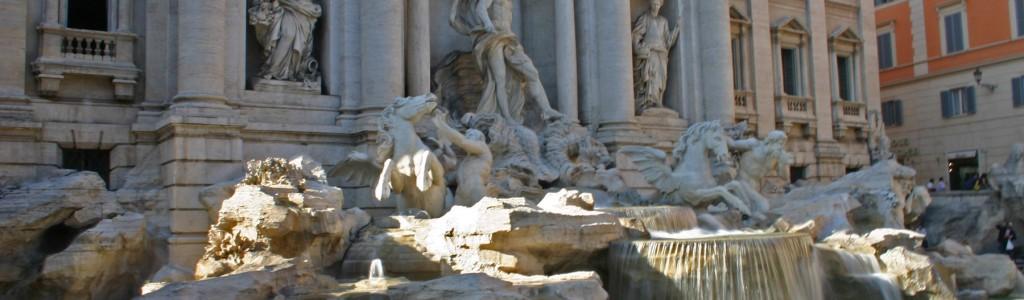Trevi Fountain: La Dolce Vita